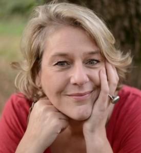 Geneviève SCHMIT - Experte dans l'accompagnement des victimes de manipulateurs pervers narcissiques ©